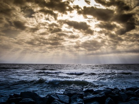 حلم رؤية البحر والأمواج في المنام