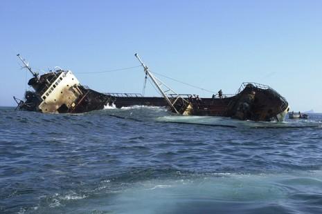 تفسير حلم رؤية السفينة تغرق