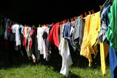 d686740a1 تفسير حلم تغيير الملابس او لبس ثوب ملون في المنام لابن سيرين