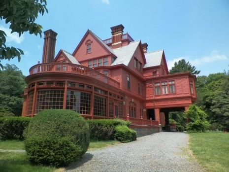 منزل جديد كبير جميل في الحلم