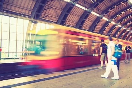 رؤية القطار يفوت أو فوات القطار عن الركوب في الحلم