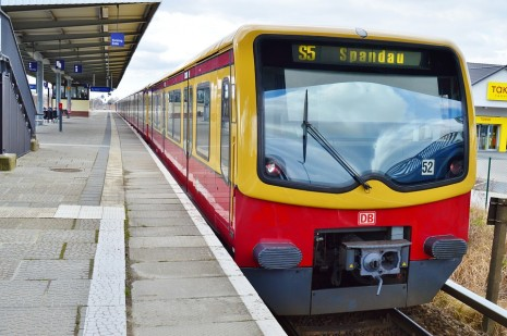 سرعة سفر القطار في المنام