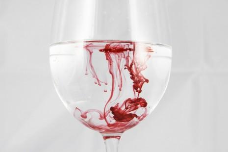 خروج دم الحيض للمرأة والرجل