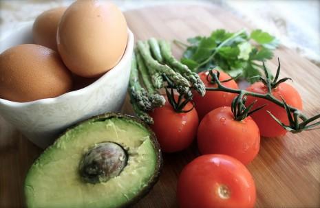 ماسك الفوكادو مع البيض وصفاره للبشرة والشعر