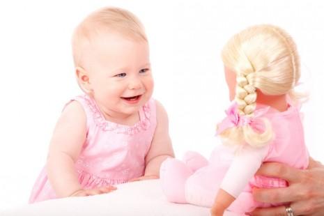 تفسير ولادة البنت في الحلم للحامل و للعزباء و المتزوجة