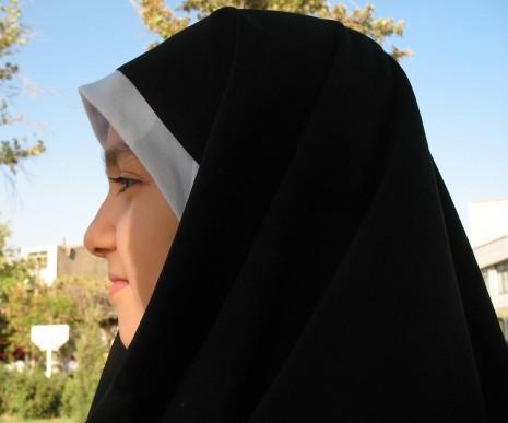 رؤية لبس الحجاب وتفسيره في الحلم