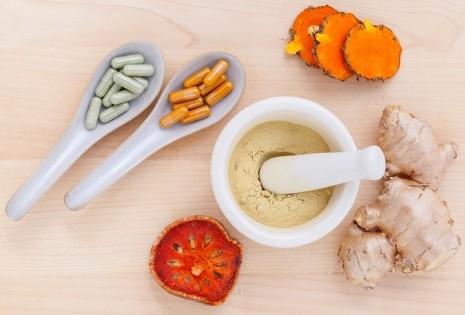 علاج التهاب الحلق بالاعشاب