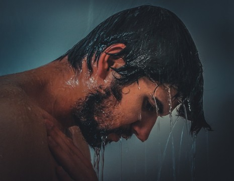 تفسير حلم غسل الشعر بالماء والصابون والشامبو لابن سيرين