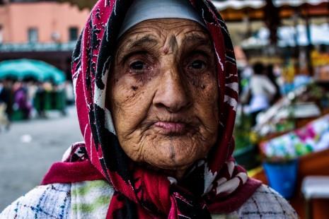 تفسير رؤية امرأة عجوز تطاردك وتلاحقني في الحلم