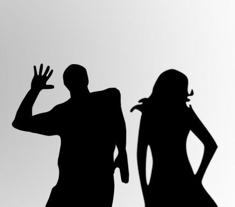 تفسير ضرب الزوج لزوجته كف على وجهها في حلم المنام