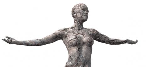 تفسير حلم رؤية ثدي المرأة وكشفه في المنام