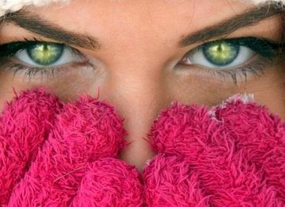 تفسير رؤية العيون الخضراء في الحلم