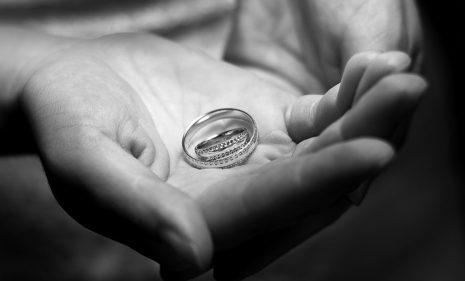 تفسير رؤية حلم ضياع خاتم الخطوبة في المنام
