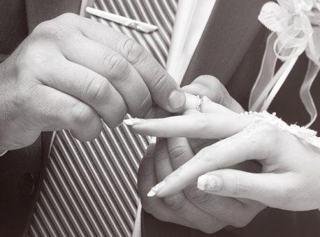 تفسير ضياع خاتم الزواج أو دبلة الخطوبة في الحلم
