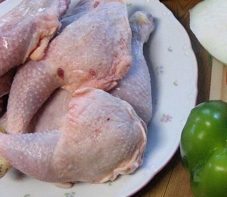 طريقة تنظيف لحوم الدجاج من الزفر الطازج والمجمد