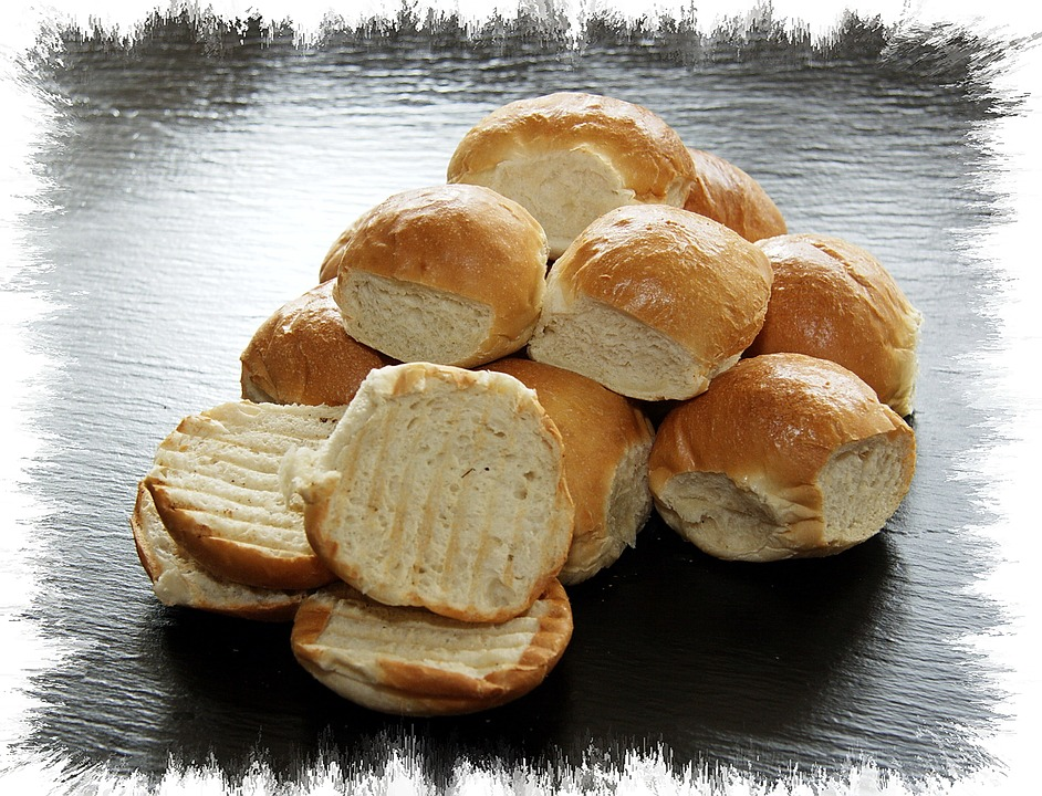تفسير حلم رؤية الخبز أو أكل خبز طازج في المنام لابن سيرين