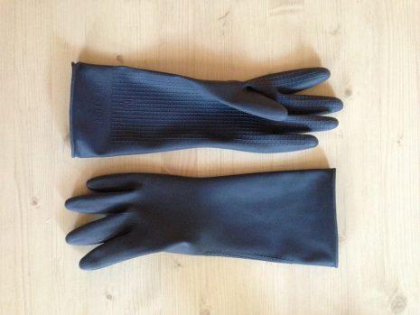 كفات اليد الجلدية للحفاظ على الأيدي من المواد الضارة
