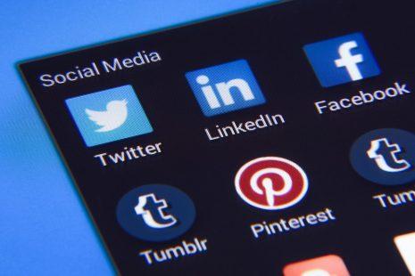 الربح من مواقع التواصل الاجتماعي